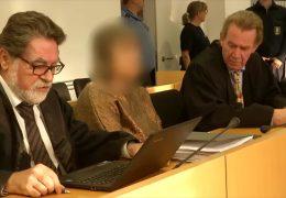 Sektenchefin nach 31 Jahren vor Gericht