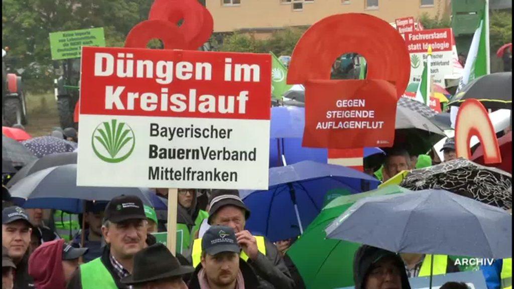 Bauern protestieren gegen Agrarpaket