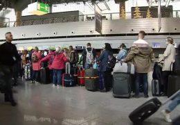 Sicherheitskontrollen werden für Flugreisende zur Zeitfalle