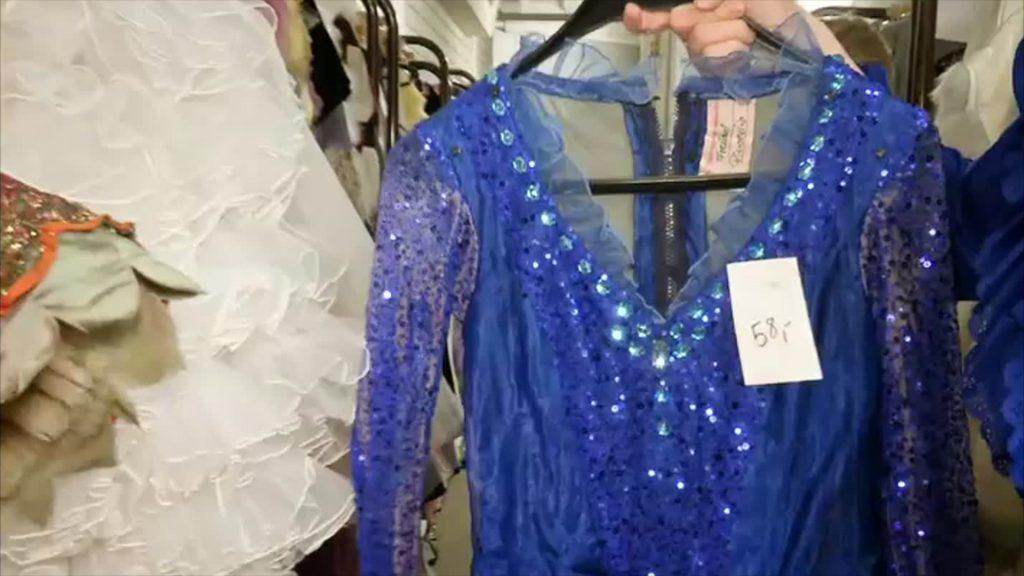 Kostümfundes des Hessischen Staatstheaters öffnet seine Kleiderkammer