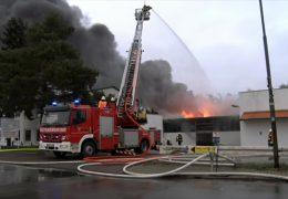 Millionenschaden bei Feuer in Matratzenfirma