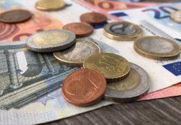 Wie gefährlich ist die Bezahlung mit Bargeld?