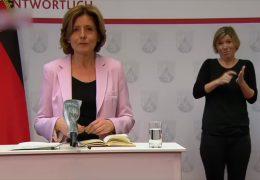 Malu Dreyer nach der gemeinsamen Videokonferenz mit der Kanzlerin