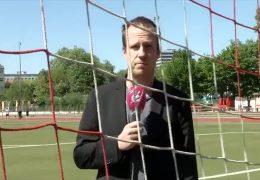 Pro & Contra: Soll die Bundesliga wieder starten?
