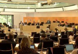 Hessischer Landtag streitet über Schuldenbremse