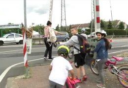 Frankfurt-Nied: Bahnübergang bleibt gefährlich
