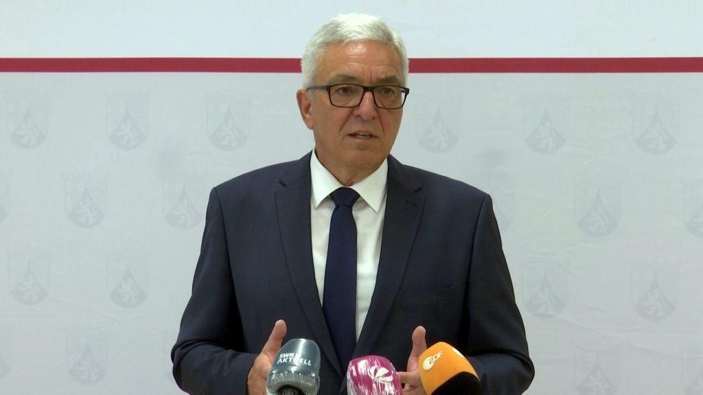 """Truppenabzug aus Spangdahlem - Innenminister Lewentz spricht von einem """"schweren Schlag"""""""
