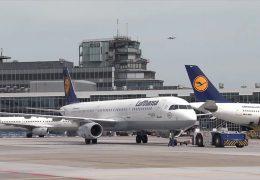 Lufthansa droht mit Entlassungen