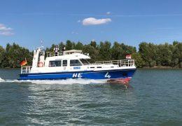Wasserschutzpolizei trainiert auf dem Rhein