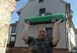 Brensbach im Odenwald: Auto an Hauswand sorgt für Aufregung