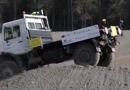 Technische Universität Kaiserslautern stellt Unimog ohne Fahrer vor