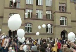 Justus-Liebig-Schule lässt Wetterballon steigen