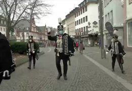 Narren im Rosenmontags-Lockdown