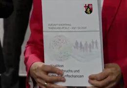 SPD, Grüne und FDP unterzeichnen Koalitionsvertrag