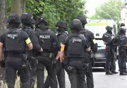 Großeinsatz der Polizei in Frankfurt-Griesheim