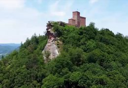Neuer Wanderweg rund um die Burg Trifels