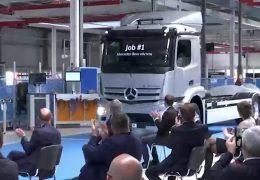 Daimler in Wörth startet Serienanfertigung von E-LKW